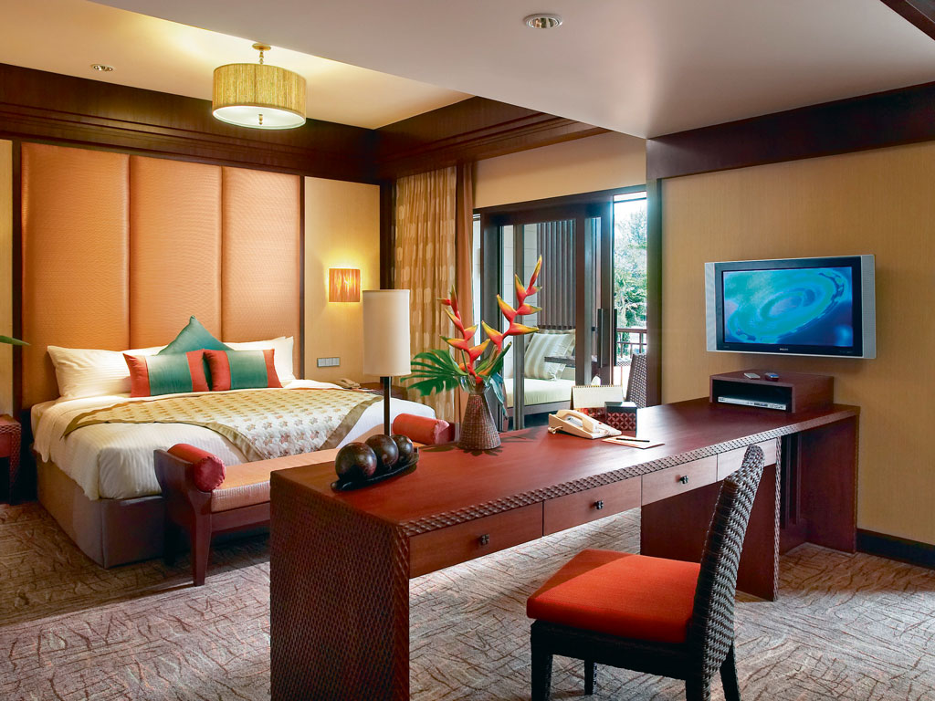 Spacious rooms offer a homely stay to the guests. Photo courtesy: Shangri-La's Rasa Sayang Resort and Spa