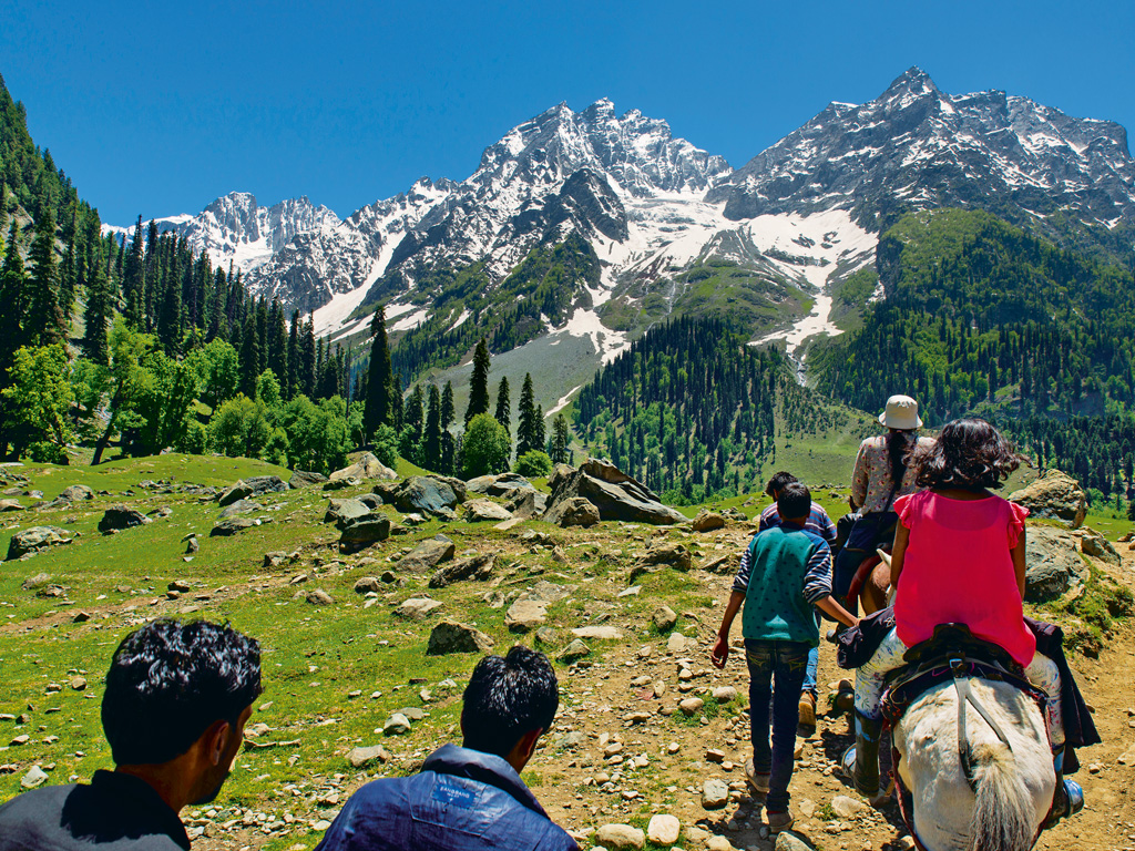 Hiking trails in Sonmarg. Photo by: Subhendu Sarkar/Contributor/ Getty Images