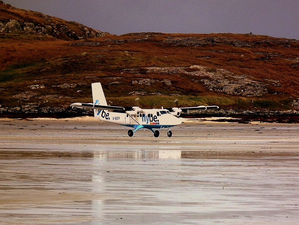 Landing conditions at Barra Airport are dictated by the tide. Photo: Calflier001/Flickr/Creative Commons (http://bit.ly/1jxQJMa)
