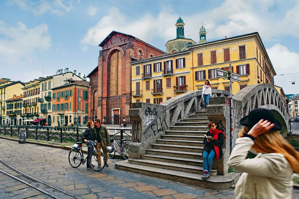 Bridges and canals in Milan