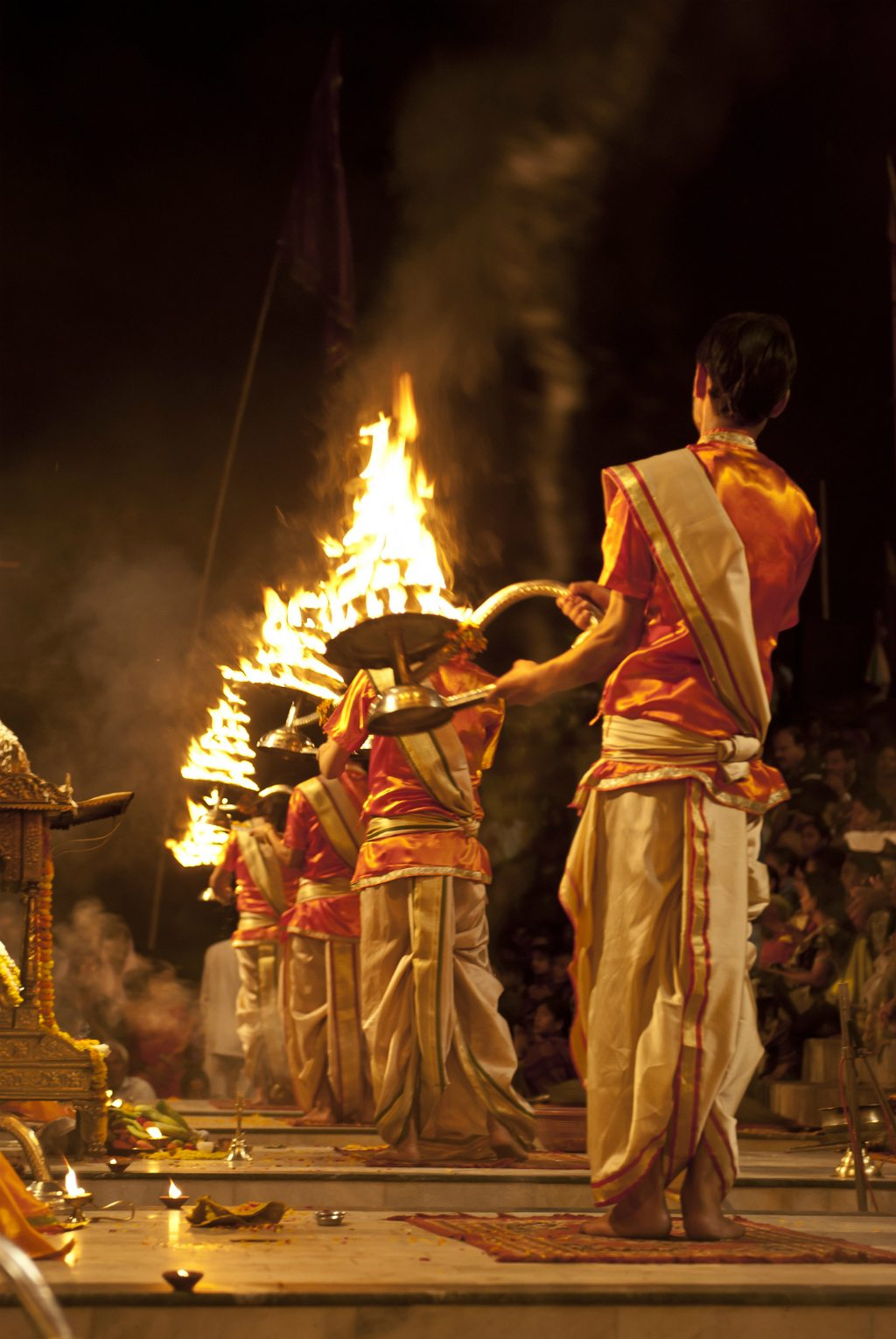 The Ganga aarti at Dashashwamedh Ghat is one of Varanasi's must-have experiences. Photo: Bobinson KB/ Flickr/ Creative Commons (bit.ly/1jxQJMa)