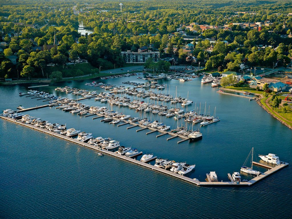 Thousand Islands St. Lawrence River Boats