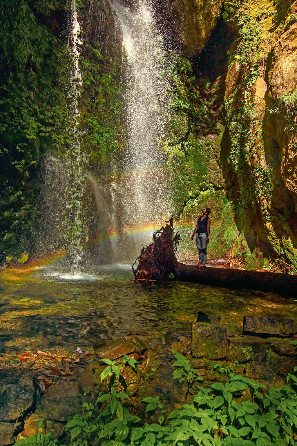 rainbow in the waterfall at Jibhi