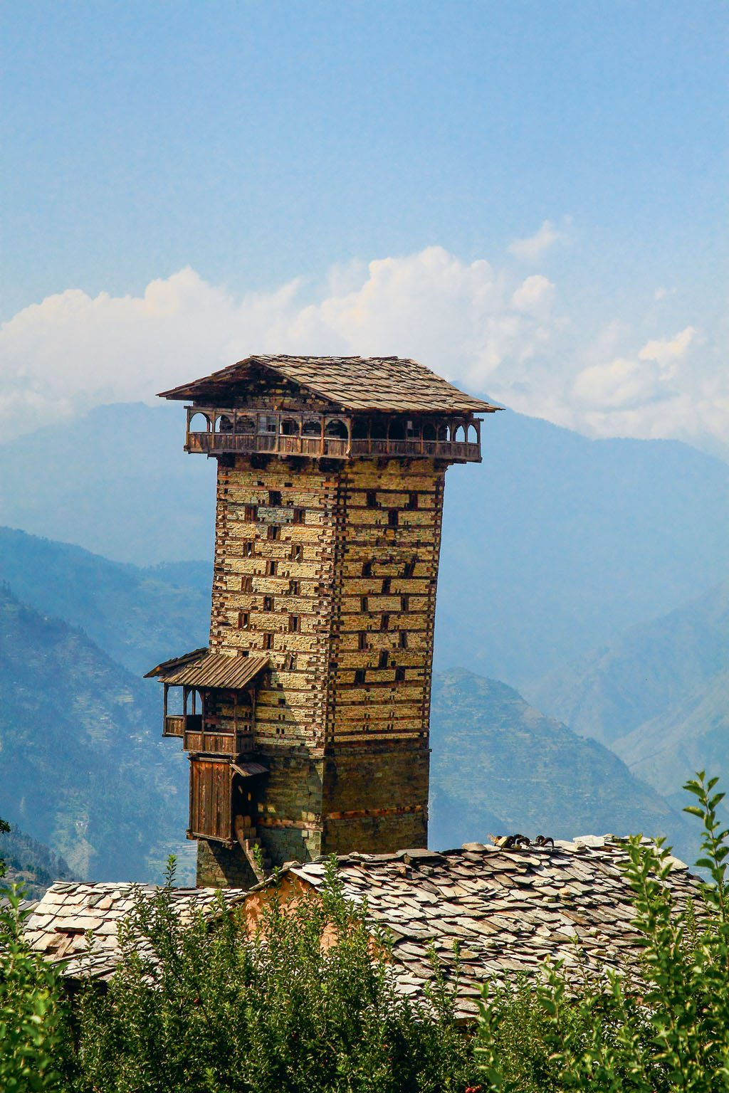 Jibhi Chaini fort watch tower