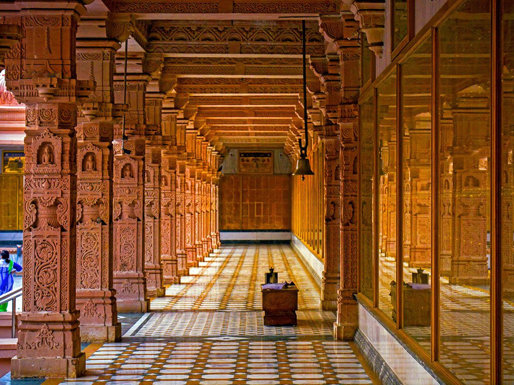 This picture was taken at a beautiful Jain temple in Katraj, Maharashtra. The pillars of the temple were covered in detailed carvings.