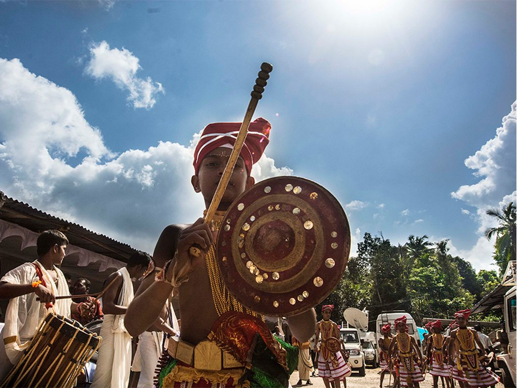 Snake boat races are major events on Kerala's cultural calendar. Many races are preceded by celebrations and processions, as seen here in Aranmula.