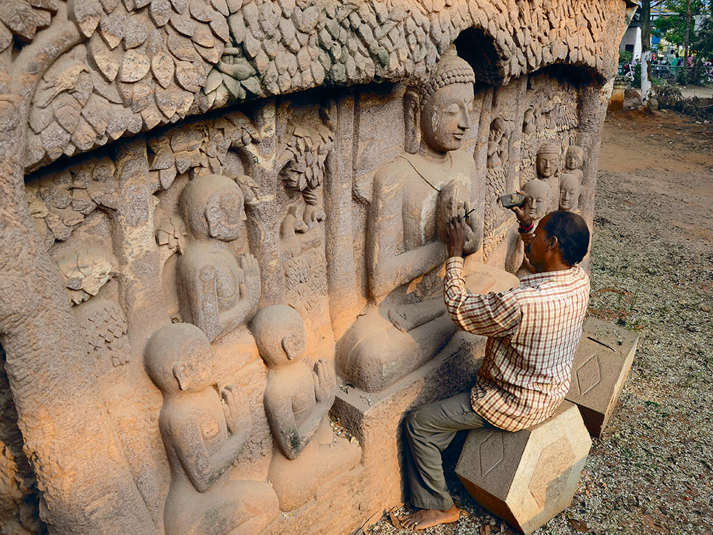 Artisan at work in Bhubaneshwar