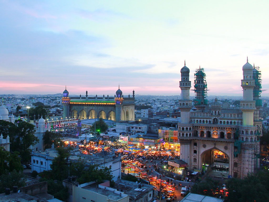 This photo stood out for us because of it's composition. Behold, the chaotic streets of Hyderabad.